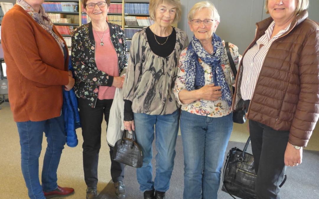 Besøk fra Prestfoss leseklubb